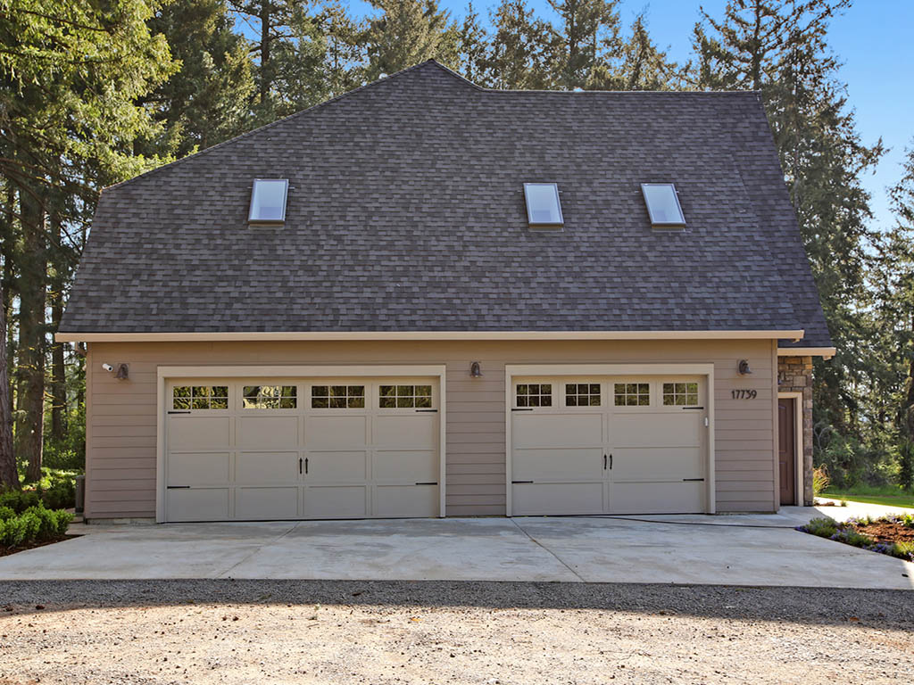 17739 NW EMMAUS LN garage