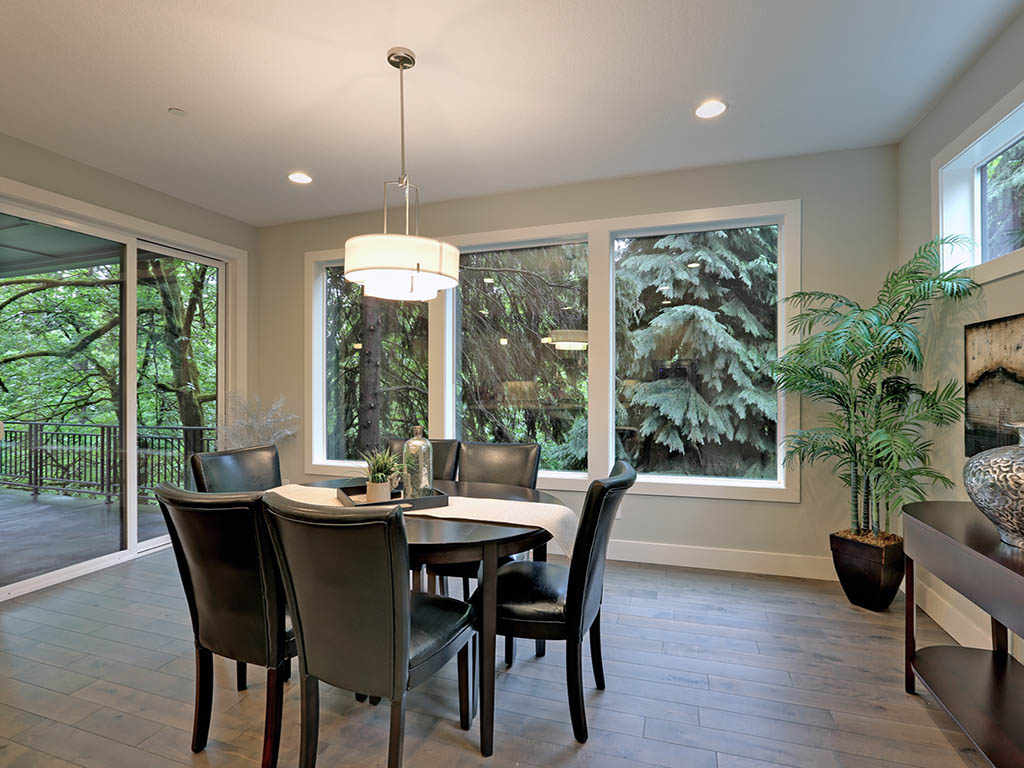 6625 SW Parkhill DR dining room